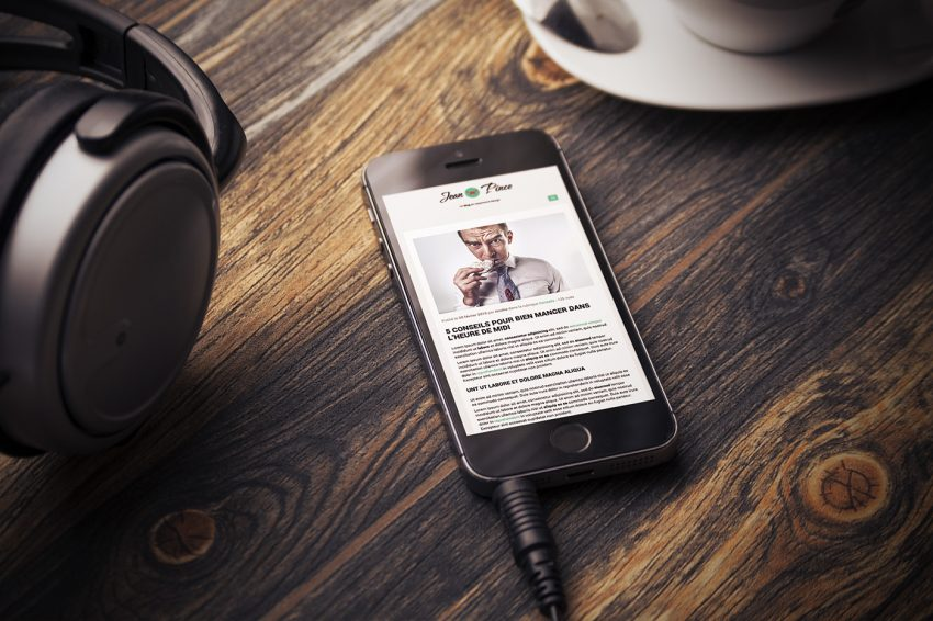Mockup iPhone d'un blog responsive